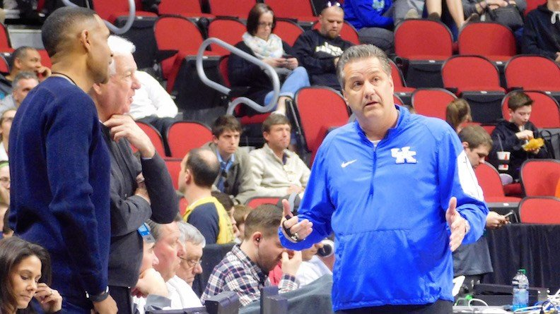Kentucky coach John Calipari talks with Bill Rafftery and Grant Hill of CBS Sports. (WDRB photo by Eric Crawford)