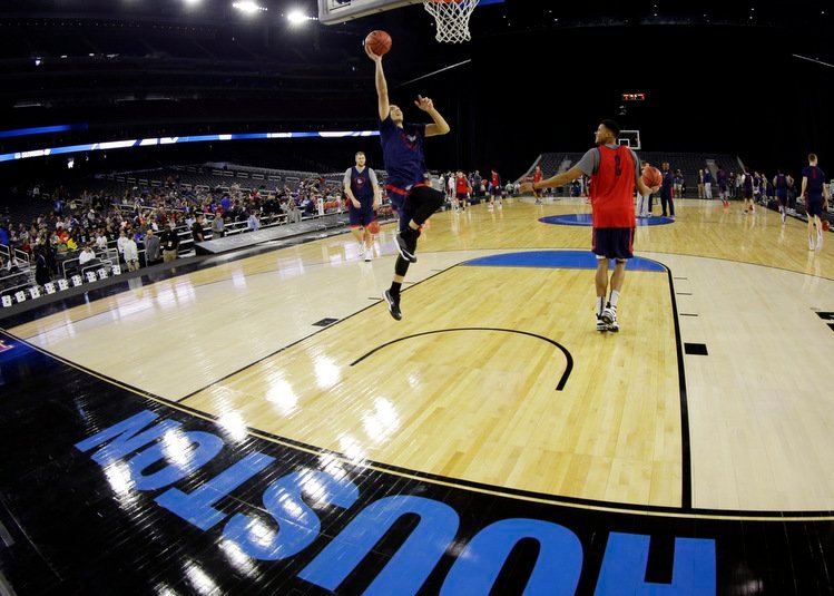 Depth perception has been a problem in past NCAA events in Houston's NRG Stadium, site of this year's Final Four. (AP photo)