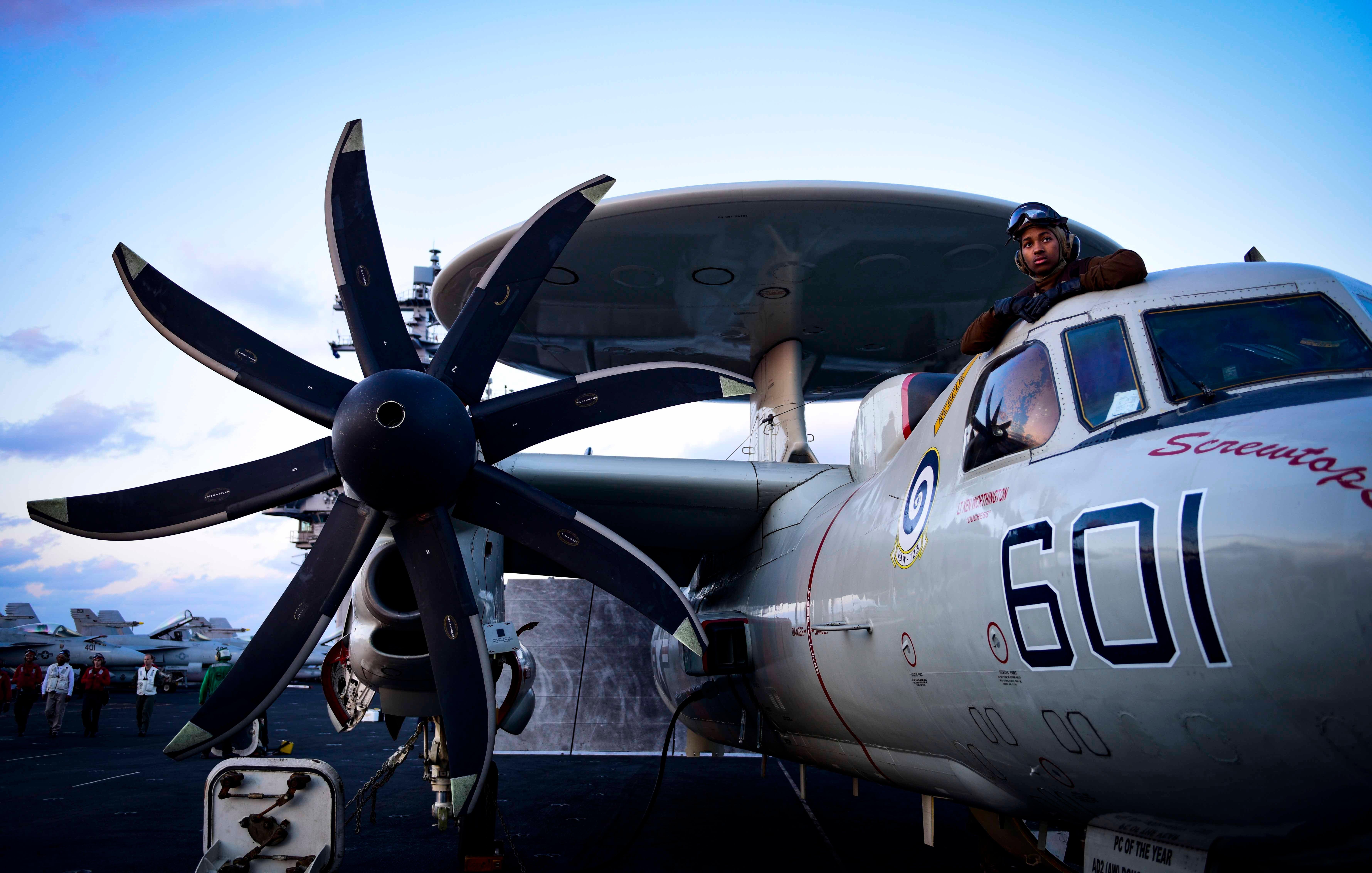 (U.S. Navy photo by Mass Communication Specialist 3rd Class Ryan U. Kledzik/Released)