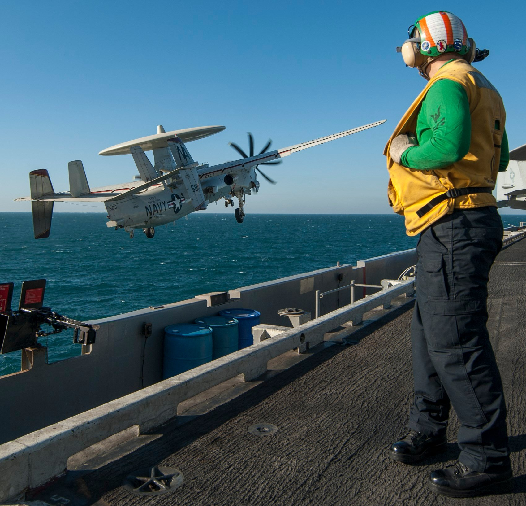 (U.S. Navy photo by Mass Communication Specialist 2nd Class John Philip Wagner, Jr./Released)