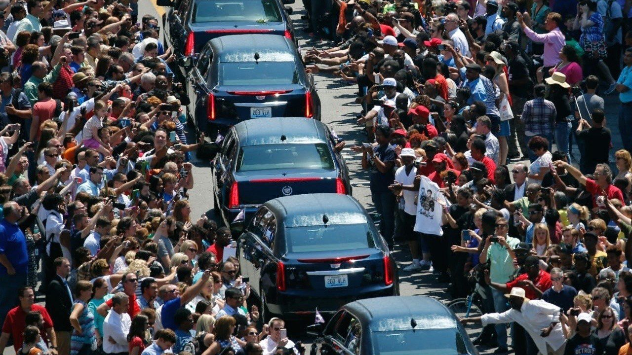 Muhammad Ali's funeral procession in Louisville's West End. (AP photo)
