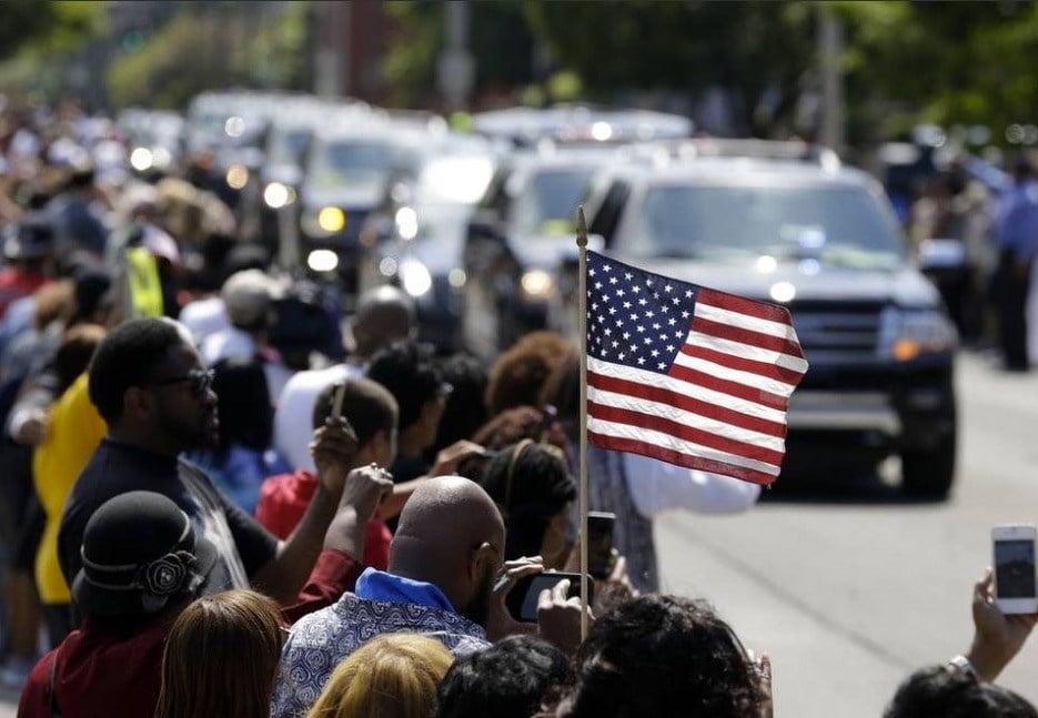 Ali's funeral procession. (AP photo)