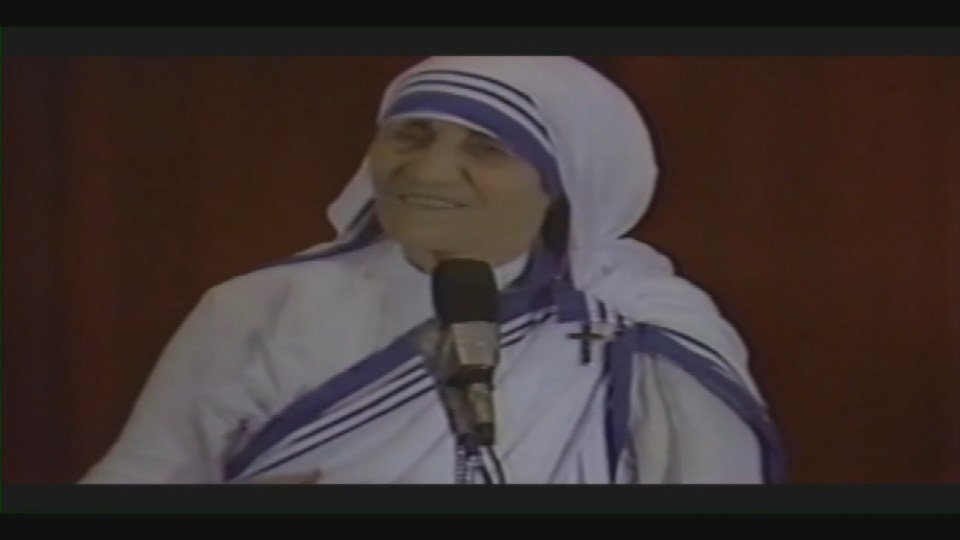 Mother Theresa gives a speech at Bellarmine University in 1982.