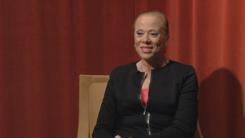 WDRB's Lawrence Smith sat down with Lonnie Ali for her first Louisville TV interview since Muhammad Ali passed way in June.