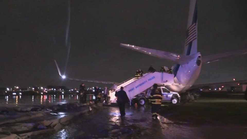 Gov. Pence's plane slides off the runway at NYC airport