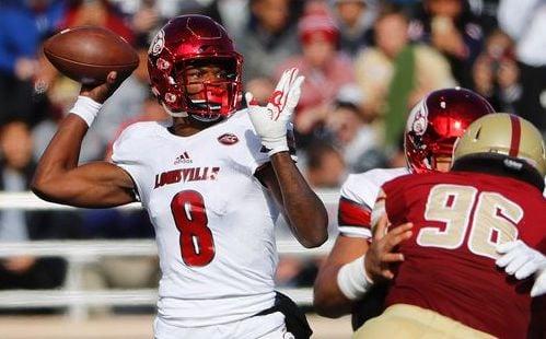 Louisville's Lamar Jackson looks to throw against Boston College. (AP photo)