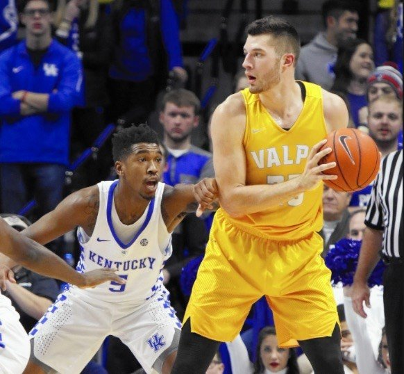 Malik Monk was one of many Kentucky defenders to slow Valpo's Alec Peters