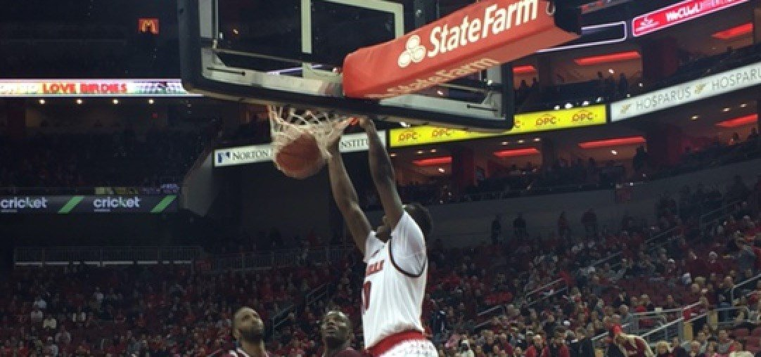 Louisville forward Jaylen Johnson delivered a dunk during the second half of the Cards' win over Texas Southern.