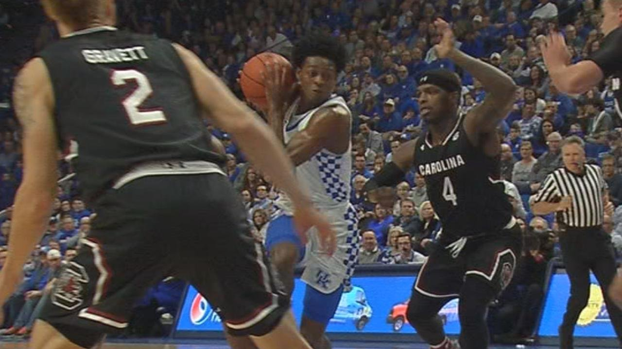 Kentucky's De'Aaron Fox ruled out with ankle injury