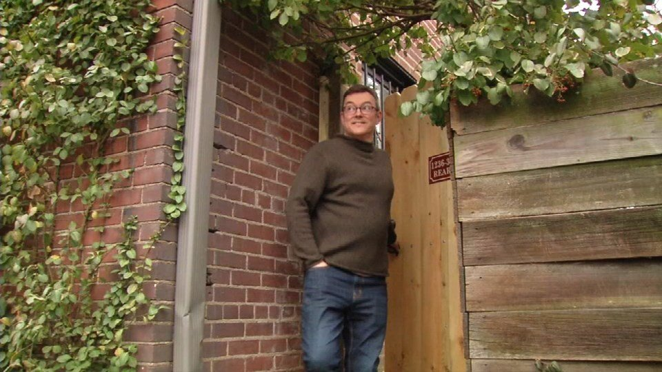 Jonathan Bevan rents the carriage house behind his home in Old Louisville on Airbnb.com (February 2017)