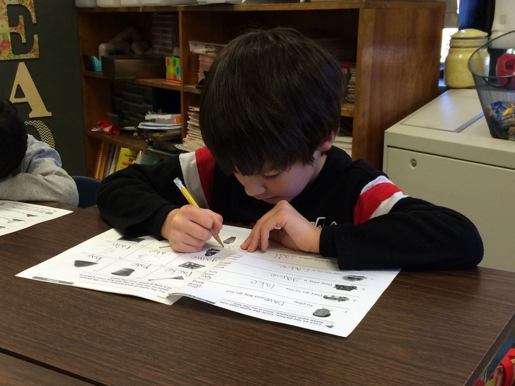 A Wilder Elementary School student works on handwriting (WDRB file photo)
