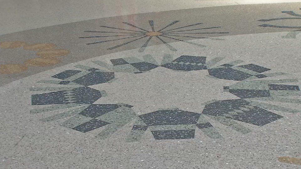Even the flooring features local symbols, like jockey silks and fleurs de lis