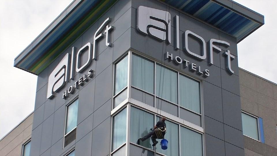 Aloft hotel, downtown Louisville, May 3, 2017