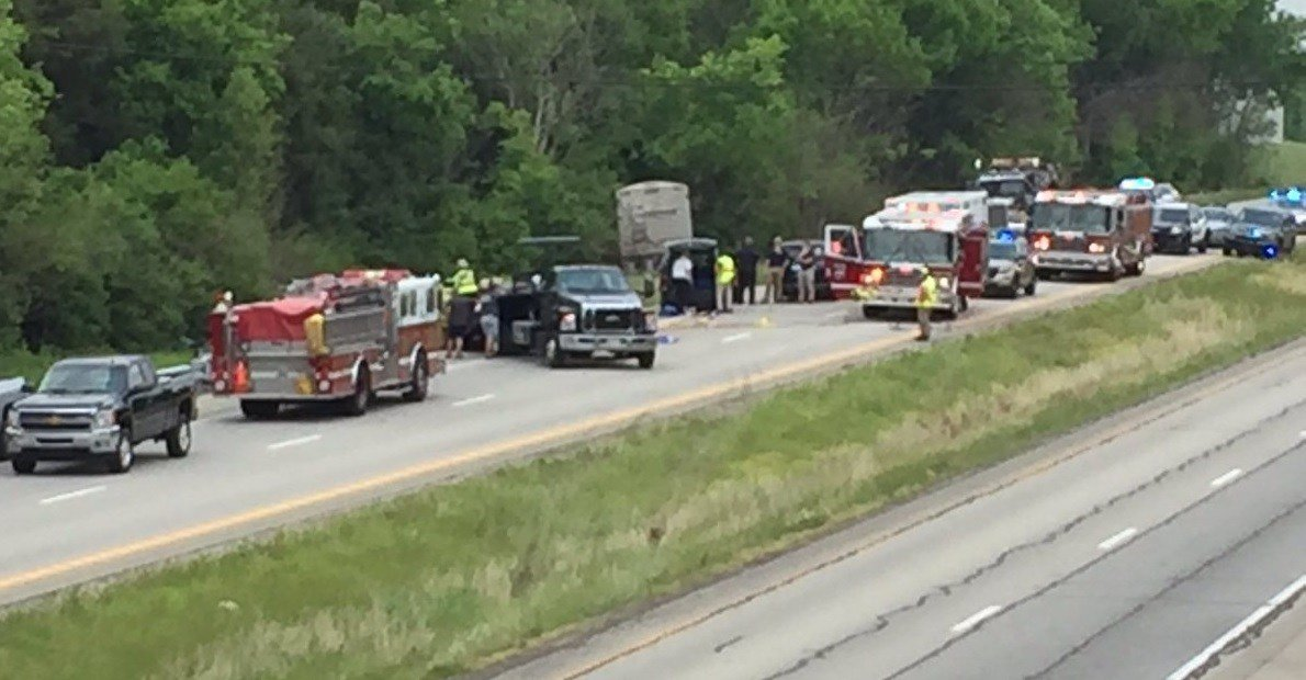 3 killed in central Kentucky crash on Bluegrass Parkway