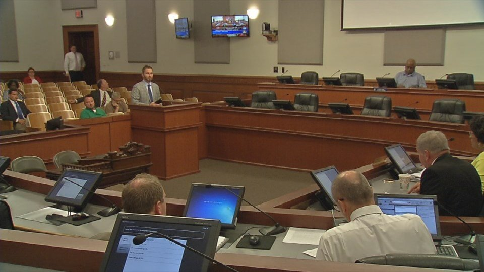The fight over wages at the Omni Hotel project was front and center before the Metro Council labor committee Tuesday night.