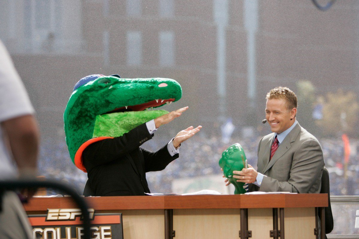 Lee Corso picks the Gators at Commonwealth Stadium in Lexington in October of 2007. (ESPN photo)
