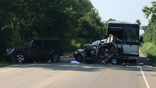3 killed in crash near Bloomington involving bus headed to Louisville