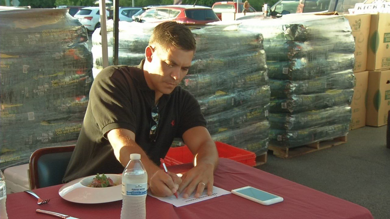 WDRB's Sterling Riggs helps judge the annual Chopped competition.