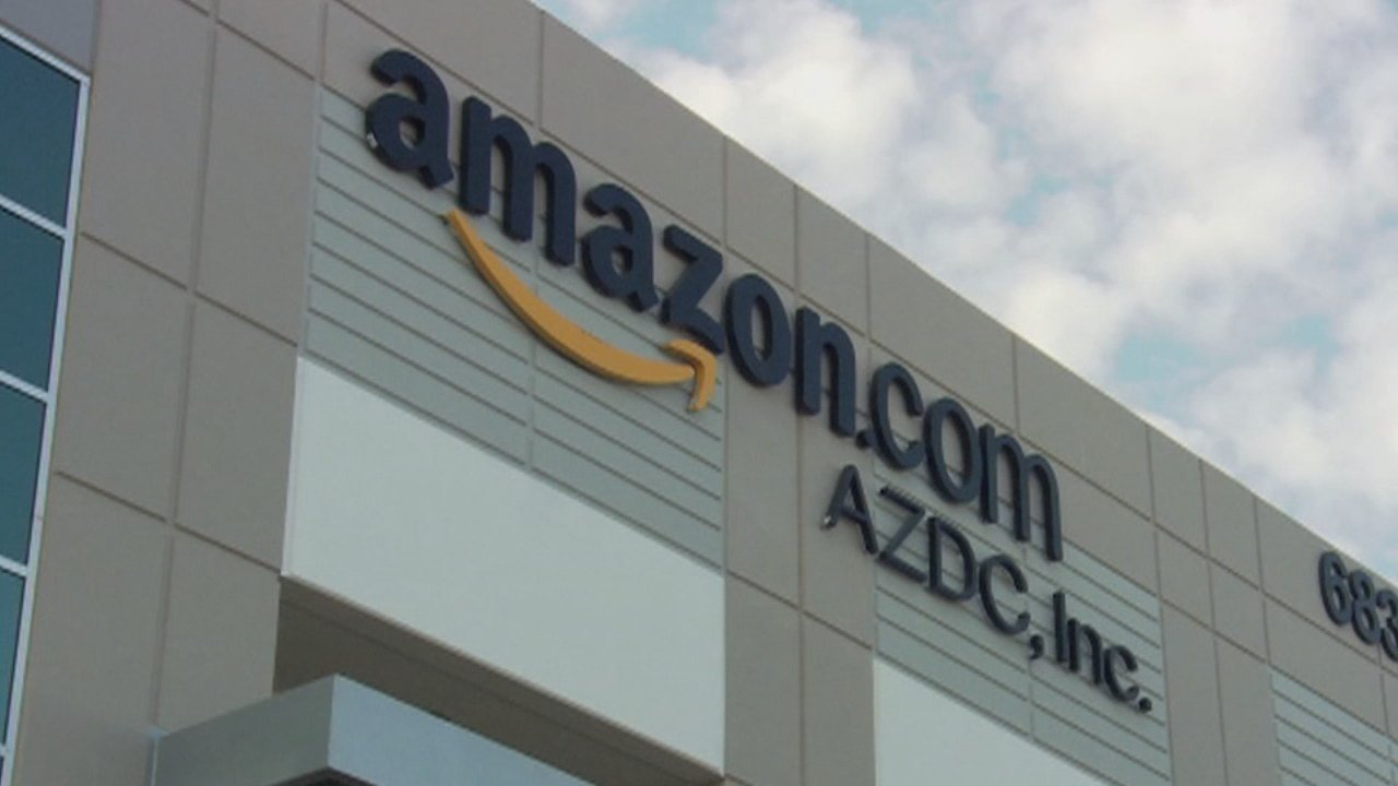 Chicago Officials Head To Seattle As Effort To Lure Amazon Launches