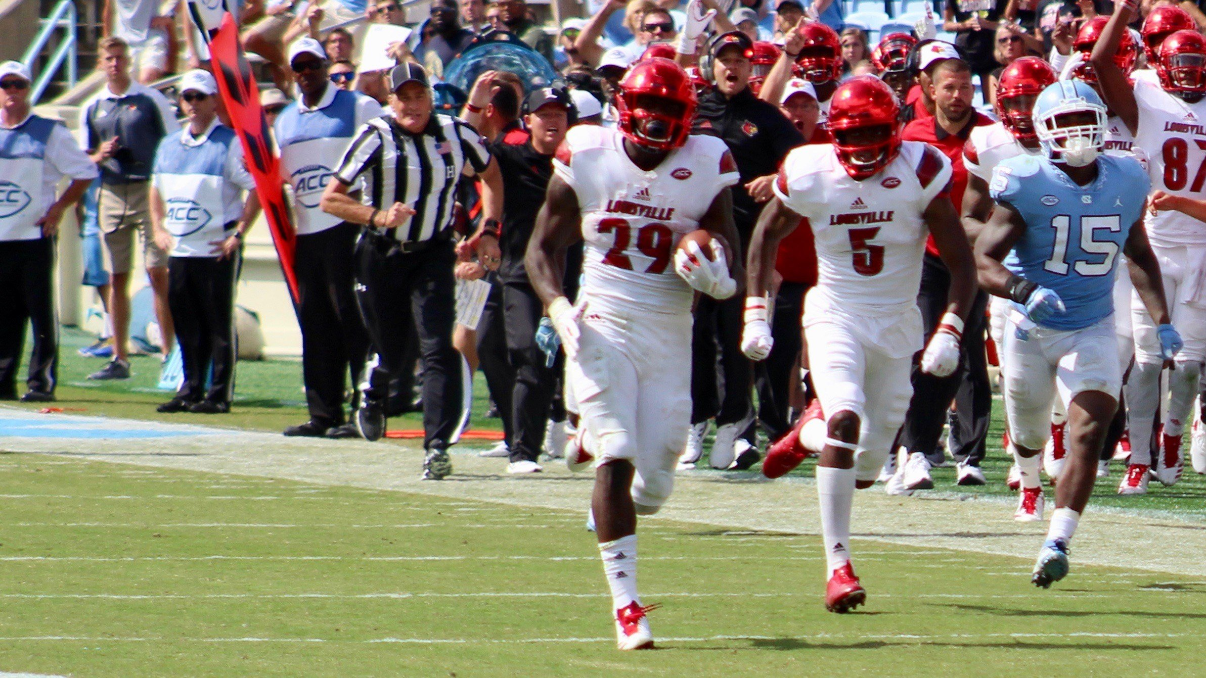 Malik Williams breaks free for a 74-yard run. (WDRB photo by Eric Crawford)
