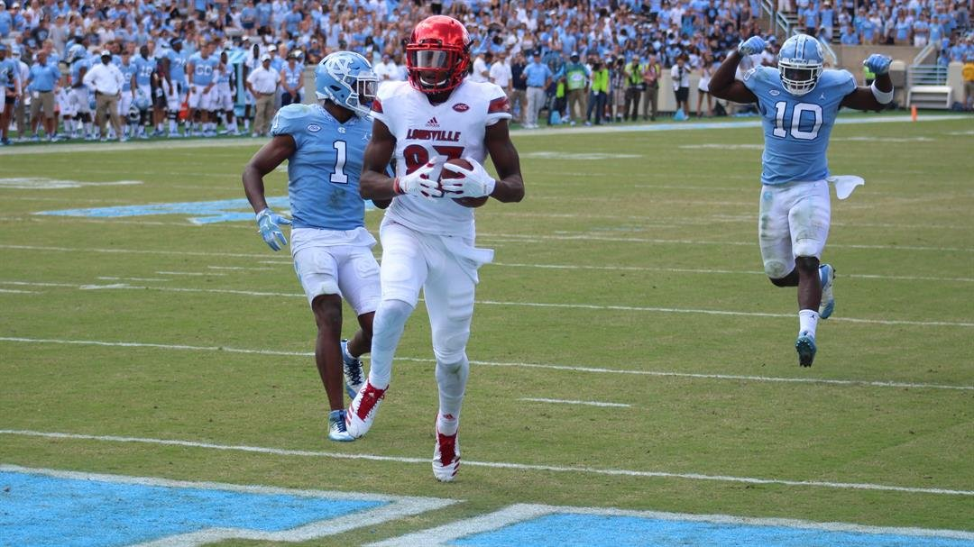 Dez Fitzpatrick finds the end zone on a big fourth-quarter TD reception. (WDRB photo by Eric Crawford)