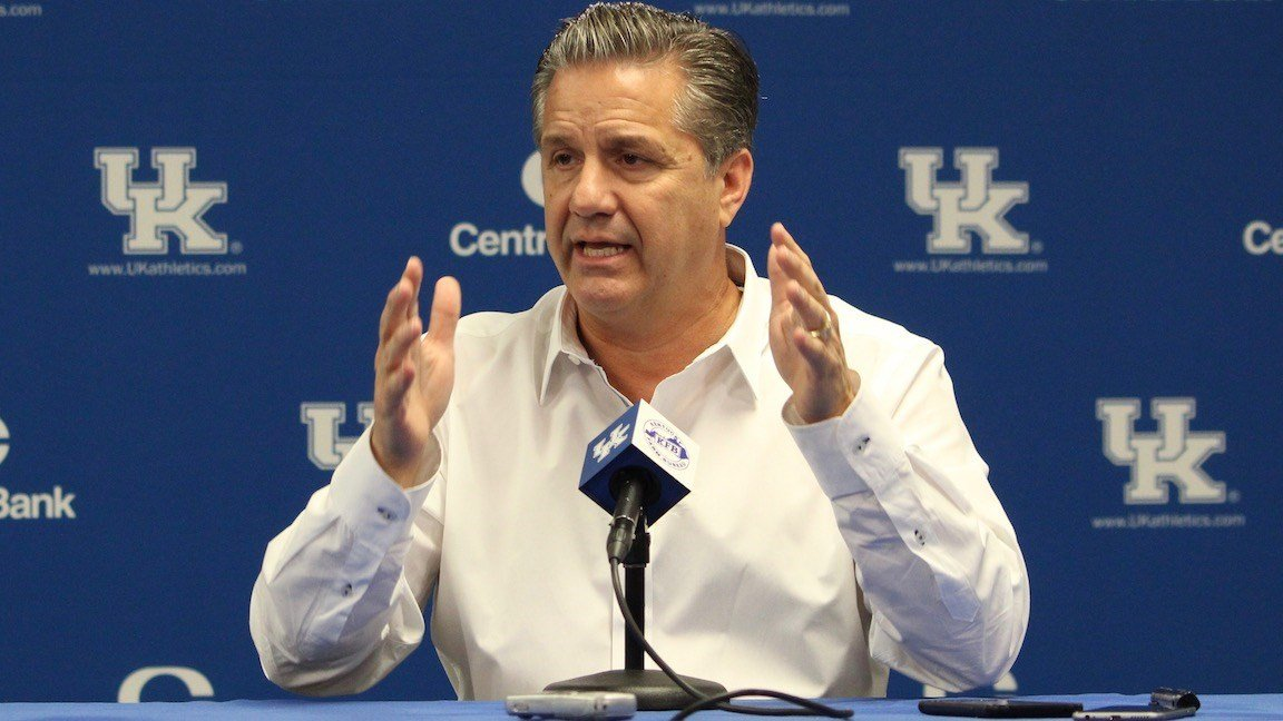 John Calipari tries to skip question about FBI investigations, reporter demands answer