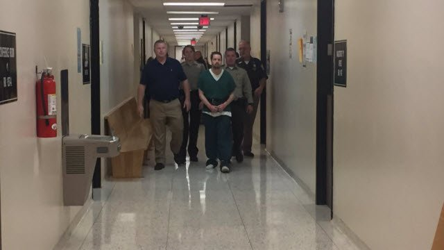 Joseph Oberhansley on his way into a competency hearing in Clark Circuit Court in Jeffersonville, Ind. on Oct. 25, 2017.