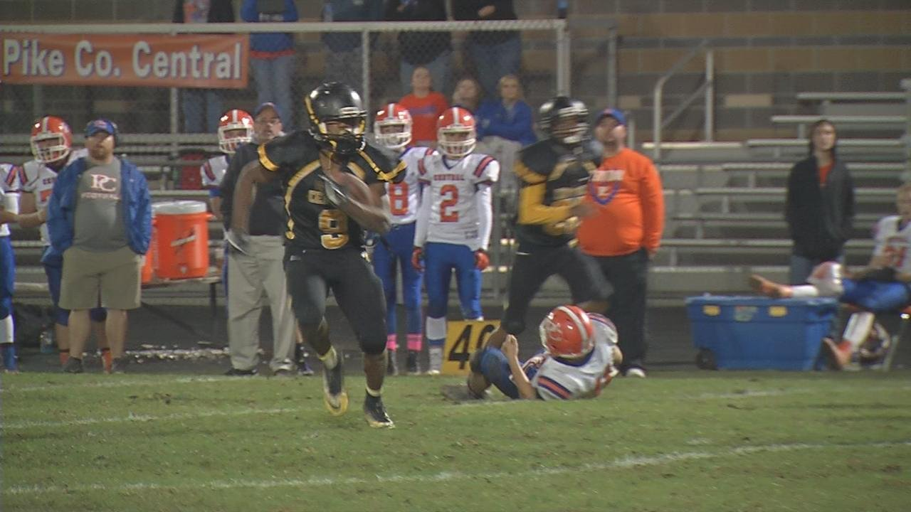 Central's Mykah Williams takes the handoff, heads toward the sideline, but cuts back to the middle of the field and takes it all the down to the two yard line.