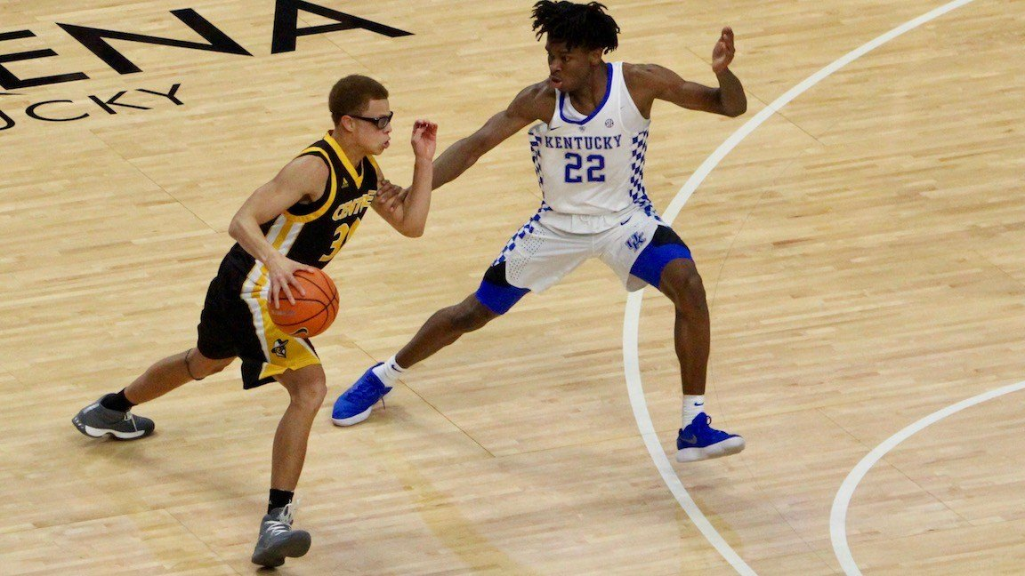 Centre's Perry Ayers works against Kentucky's Shai Gilgeous-Alexander. (WDRB photo by Eric Crawford)