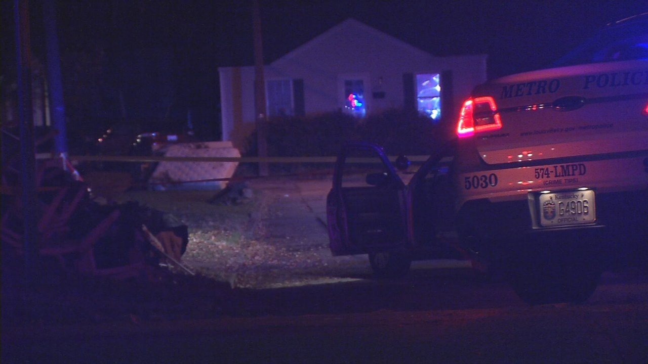 Police say a pizza delivery person was robbed and shot on Nov. 13, 2017 on Craig Avenue in south Louisville.
