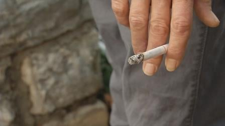 Louisville's health department is offering free classes to help smokers kick the habit.