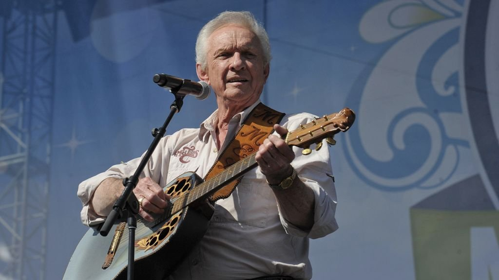 Country music legend Mel Tillis dies at 85