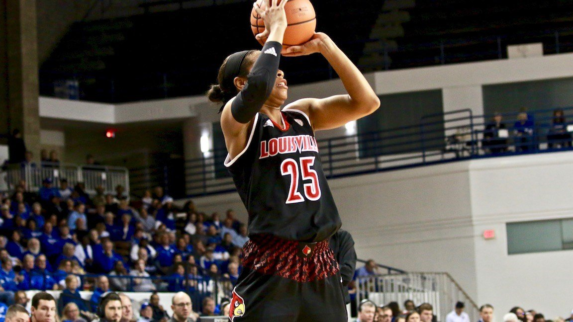 Louisville's Asia Durr led all scorers with 32 points in Sunday's win at Kentucky (WDRB photo by Eric Crawford)