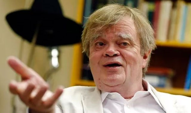 """(AP Photo/Jim Mone, File). FILE - In this July 20, 2015, file photo, Garrison Keillor, creator and host of """"A Prairie Home Companion,"""" appears during an interview in St. Paul, Minn."""