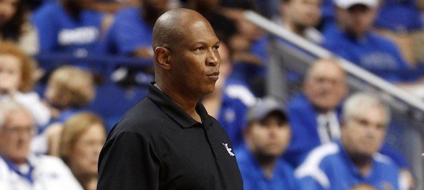 A group of former Louisville players want former Cardinal Kenny Payne as the program's next head coach.