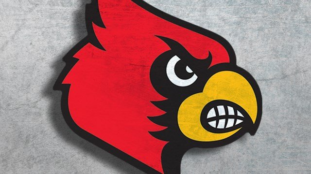 No. 2 men's basketball passes tough test against Louisville