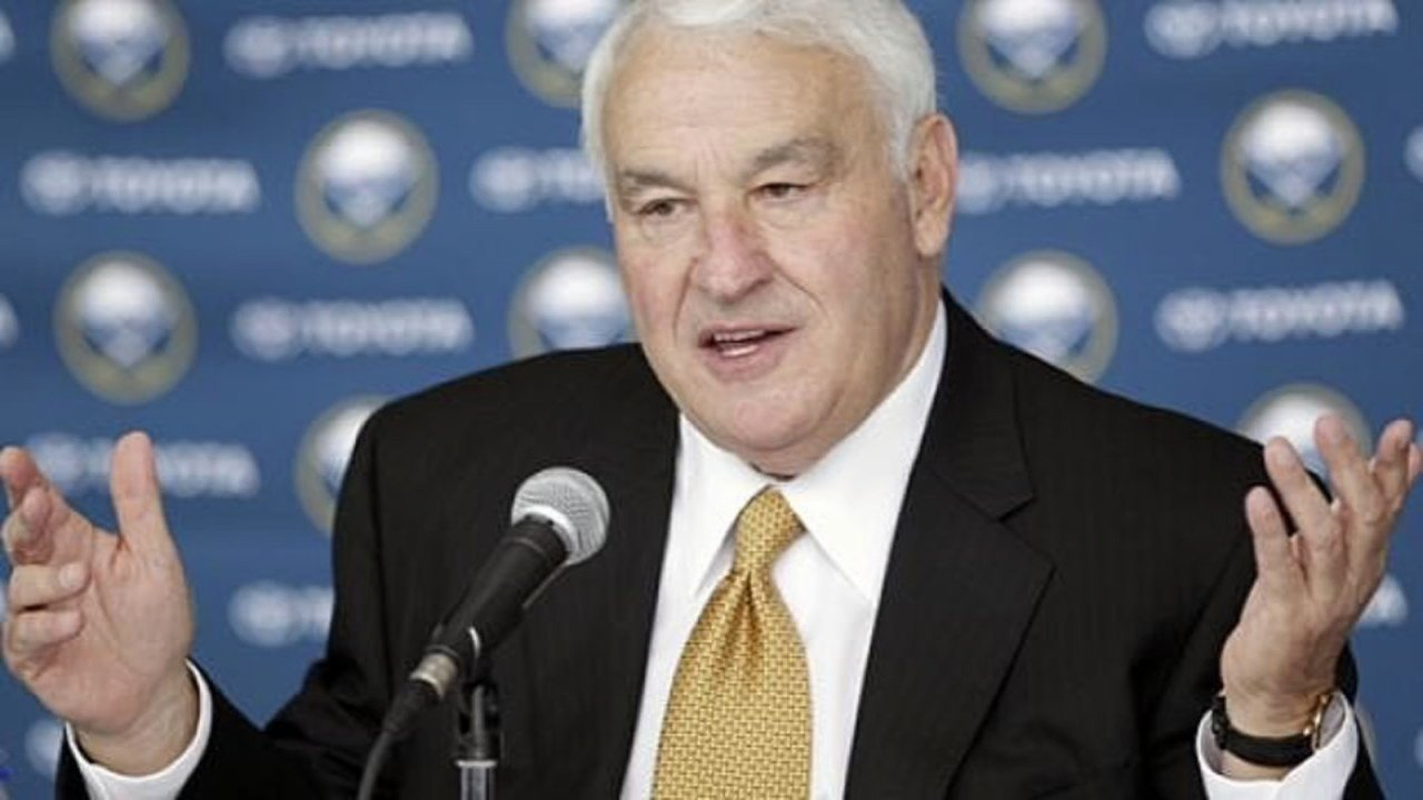 Billionaire Tom Golisano is refusing to pay his property taxes until something is done about the droppings left behind by hundreds of geese.
