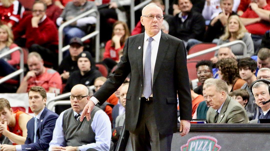 Jim Boeheim coaches against Louisville. (WDRB photo by Eric Crawford_