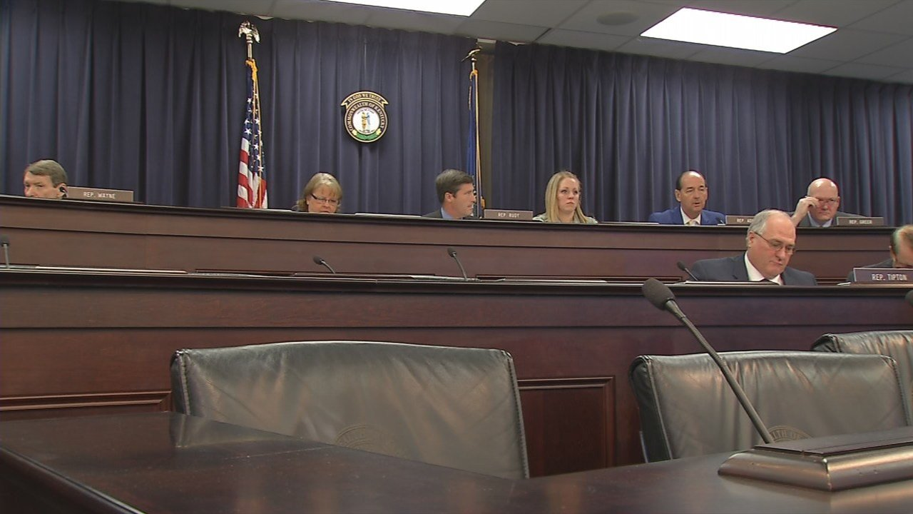 Ky. lawmakers consider $7 million emergency loan fund for struggling school districts