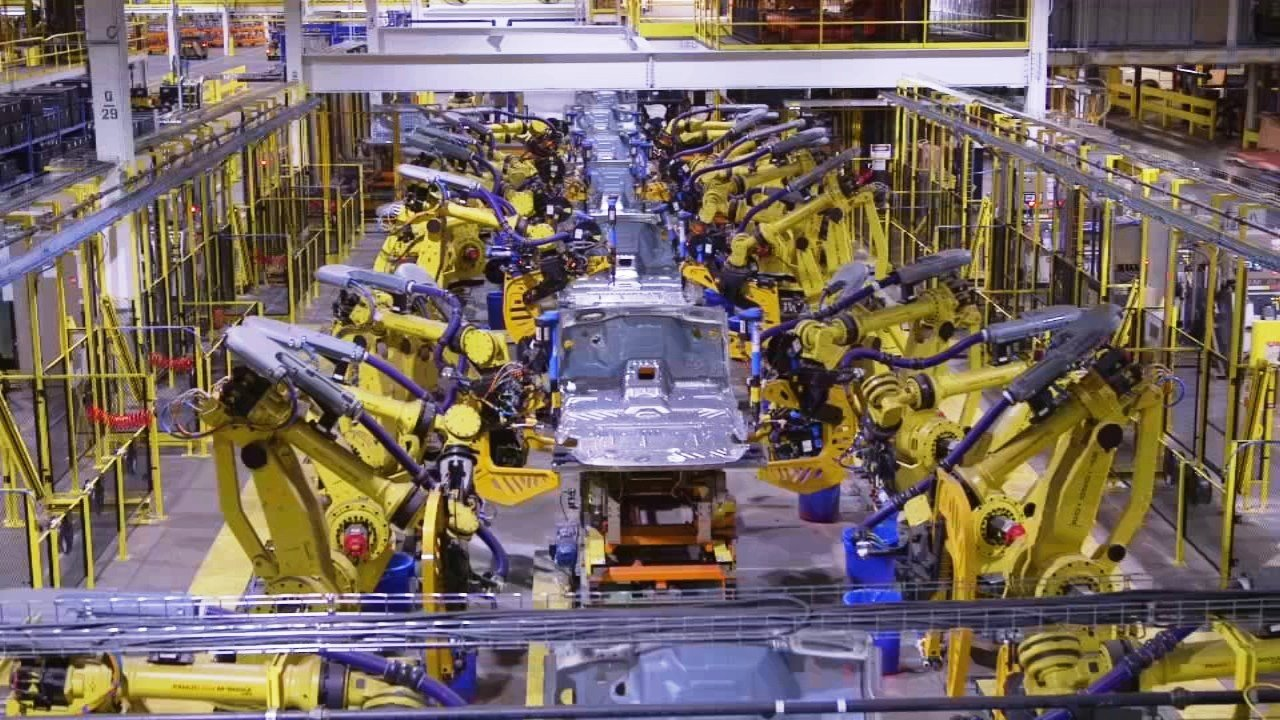 Ford said it would install 400 more robots at Kentucky Truck Plant in 2018 (Ford image)