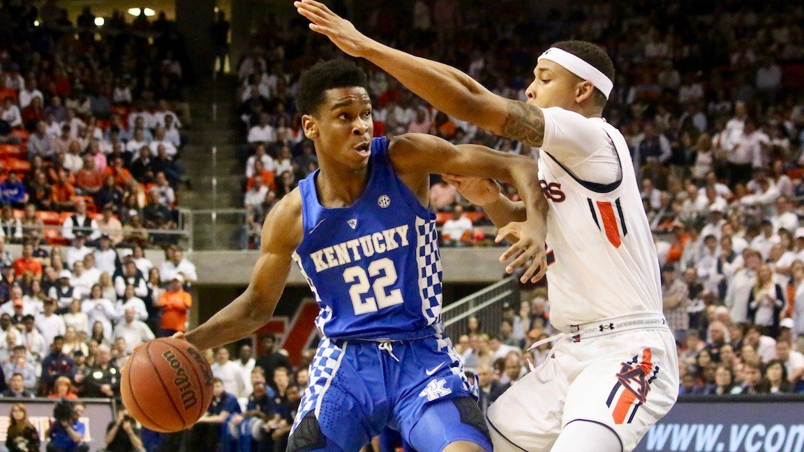 Shai Gilgeous-Alexander looks for room early in Wednesday's loss at Auburn (WDRB photo by Eric Crawford)