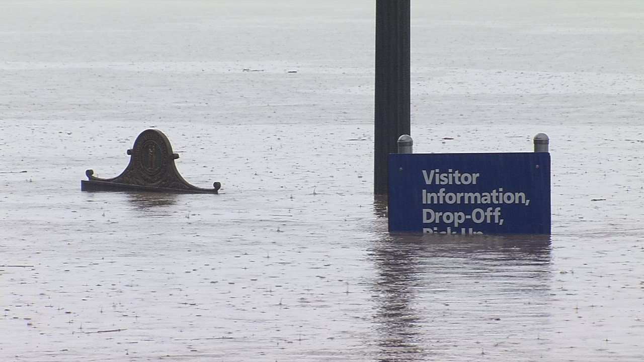 Wednesday, Feb. 21, brought more rain, higher flooding and more street closures due to Ohio River flooding.