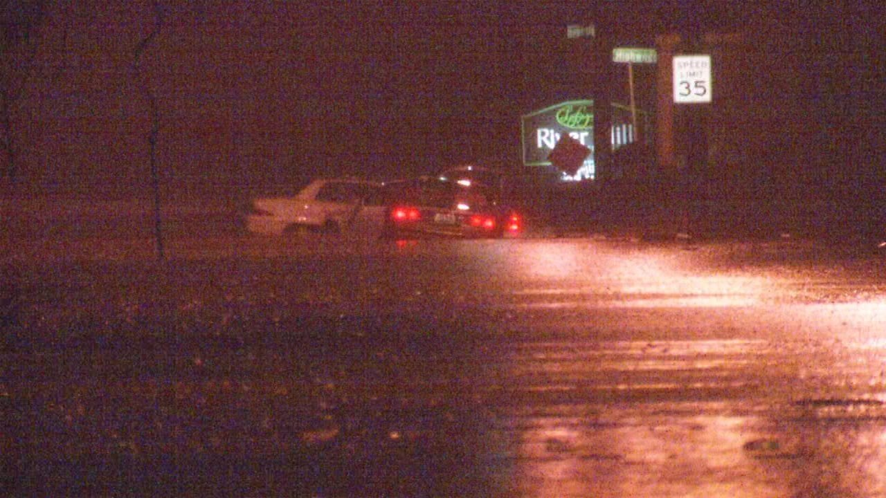 Many parts of Mellwood Avenue flooded quickly Friday morning, creating a hazardous commute for drivers.