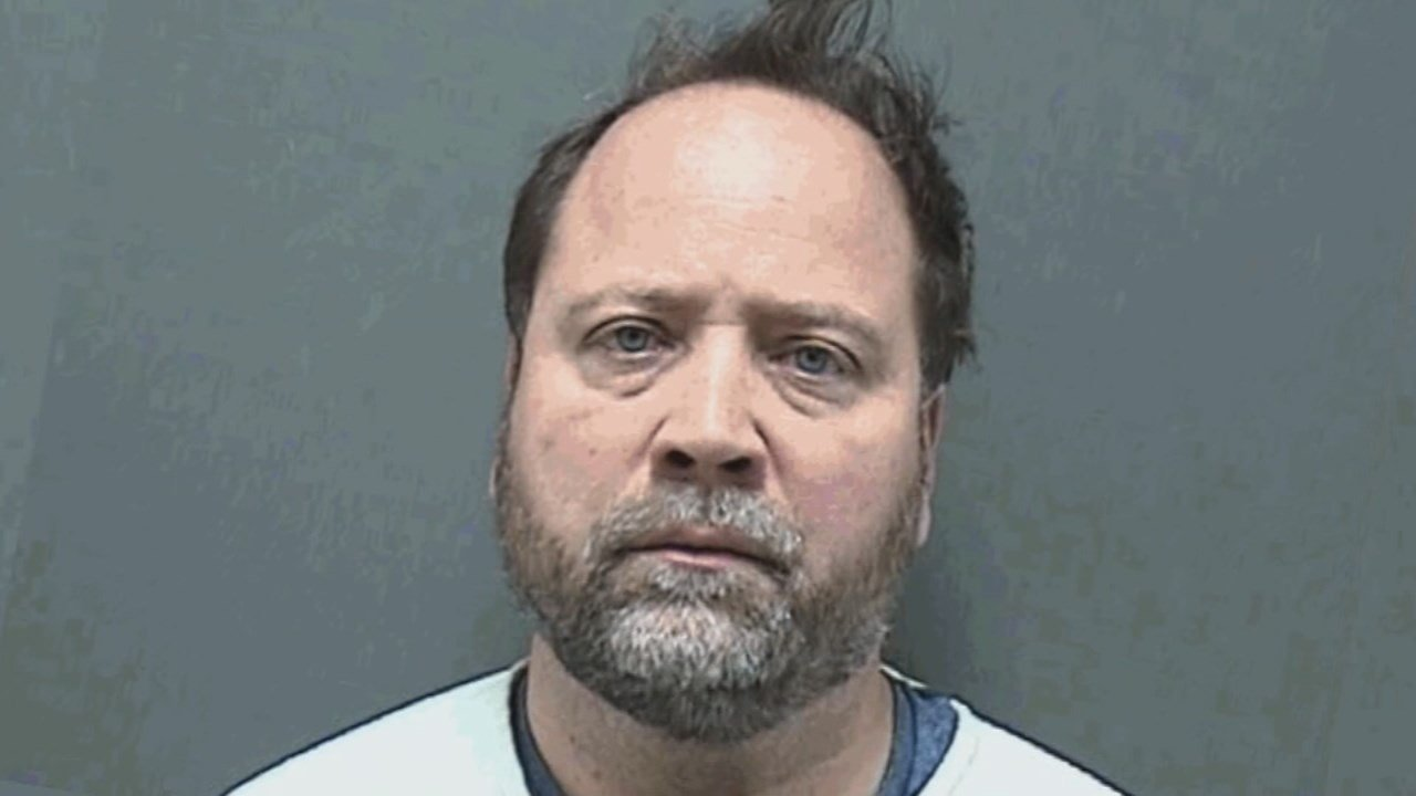 An Indiana man is behind bars in Wisconsin, accused of driving more than 100 miles across state lines to try and have sex with underage girls.