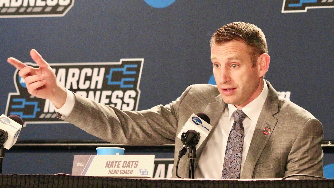 Buffalo coach Nate Oats. (WDRB photo by Eric Crawford)
