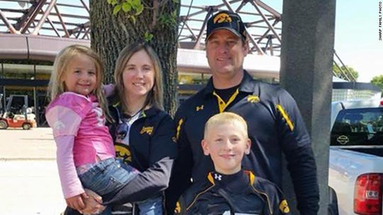 Kevin Wayne Sharp with his wife, Amy Marie, son Sterling and daughter Adrianna. (Image Courtesy: CNN)