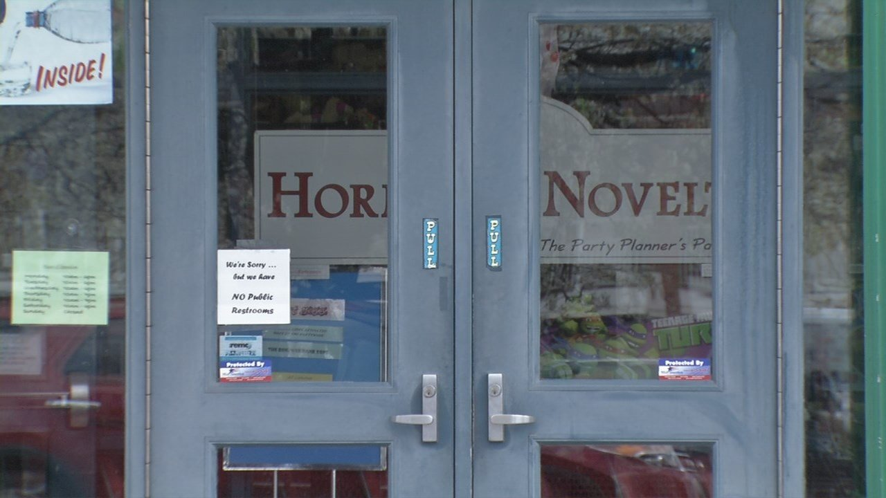 The decision comes even as Horner Novelty is expanding its online store.