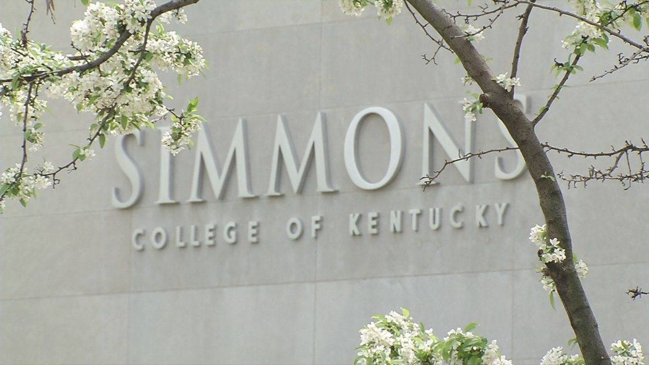 Mark and Cindy Lynn donated $120,000 to Simmons College to help with an expansion and with tuition assistance.