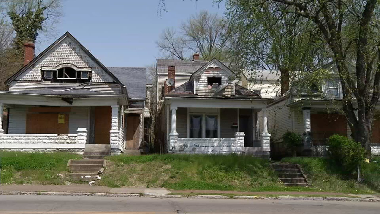 The city hopes to recruit realtors to find buyers for 4,000 vacant properties.