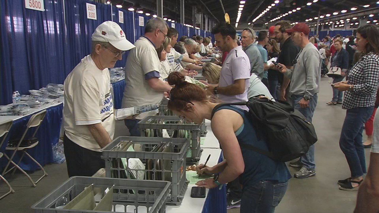 Friday, runners picked up their packets at the Kentucky Expo Center.
